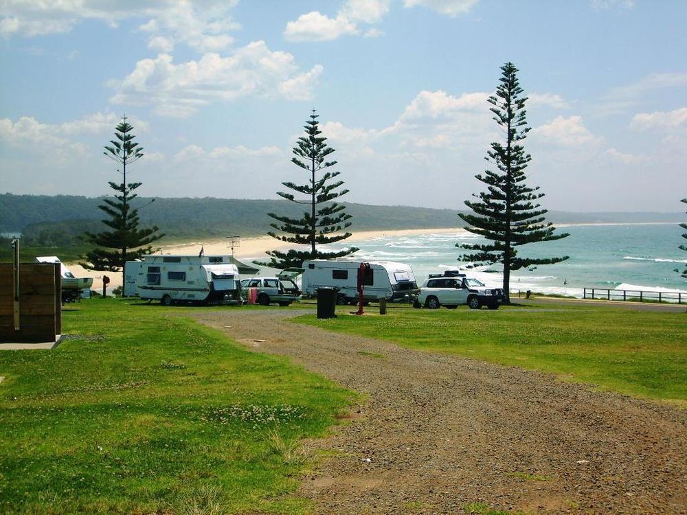 Batemans bay beach resort tinder dating site 6